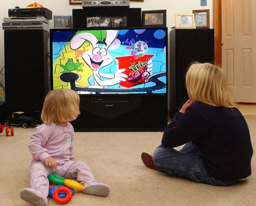 copil televizor educatie
